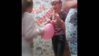 Мой День рождения вдыхает гелий из шариков(, 2016-10-02T13:08:42.000Z)