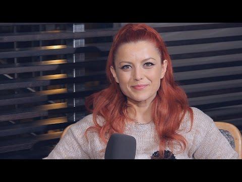 Entrevista Elena Gheorghe presentando 'Mamma Mía (He's italiano)