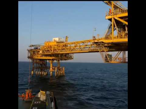 Oil and gas site.. OFFSHORE © WHAT'S APP STATUS/