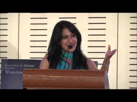 """Shweta Mohan sings """"Maya Nadhi' from Kabali on stage"""
