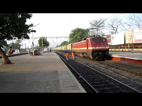 [HD] HWH WAP-4 22850 tearing the tracks at Belur Station