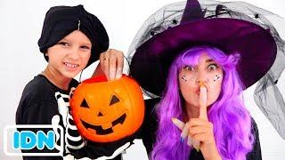 Vlad dan Nikita memainkan Trick or Treat Halloween