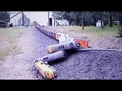Model G scale Snake River train crashes with added sound effects