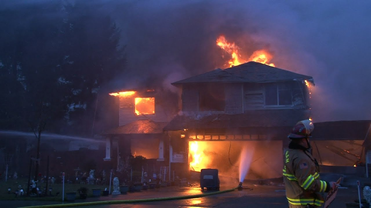 Two Alarm Fire Damages Five Homes Graham Wa Raw Footage