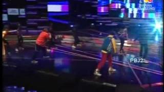 Download lagu Raja Gelek - 1 Nation Emcees and M Daud Kilau at ABP 2009
