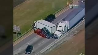Американские дальнобойщики уходят от погони!!!