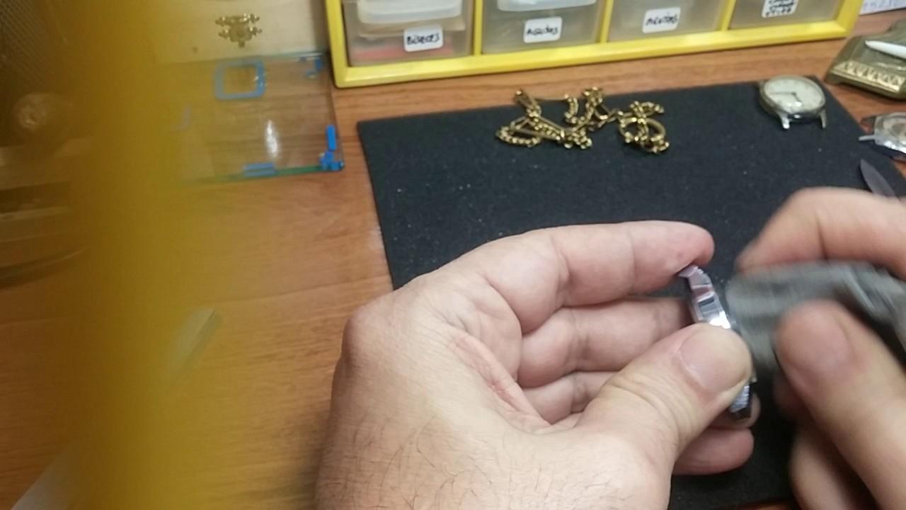 0a557e2ae Como quitar a un reloj los arañazos del cristal plexi con limpiador de  vitrocerámica. 1ª Parte