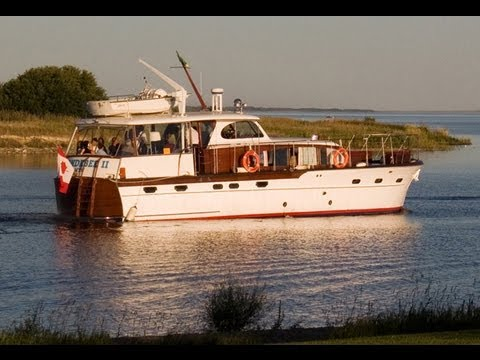 Chris Craft 55 Foot 1951 Motor Yacht - Wendebee II - Full Episode