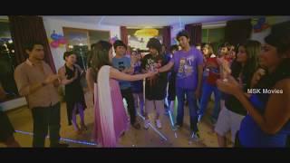 Repeat youtube video Arjun's Romantic Surprise To Gayathri - Ponmaalai Pozhudhu Tamil Movie Scenes