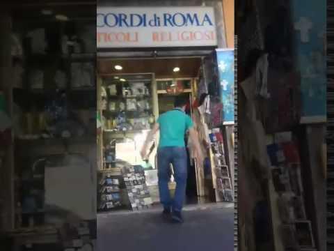 18  Tutti fanno un salto da Ricordi di Roma in via della stazione di san pietro 10 a Roma