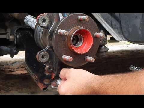 Замена ступицы Форд Фокус 2. Защита шаровой  опоры