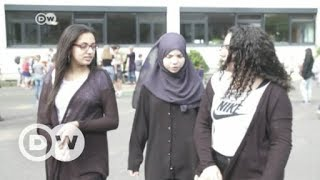 German state mulls headscarf ban for girls under 14 | DW English