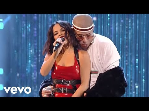 Becky G, Bad Bunny - Mayores (Live from the 2017 Latin American Music Awards) Mp3
