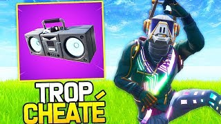 THE NEW ITEM THE MORE CHEATED ON FORTNITE: THE RADIOCASSETTE!