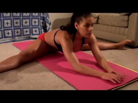 Girl's Home Workout!  Featuring Fitness Model Michelle Jacot!
