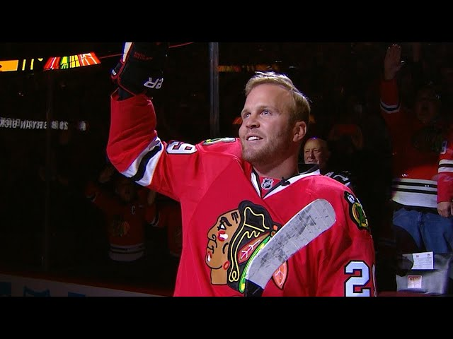 PIT@CHI: Bryan Bickell takes One More Shift for Hawks