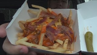 Carbs - Wienerschnitzel Buffalo Bacon Chili Cheese Fries