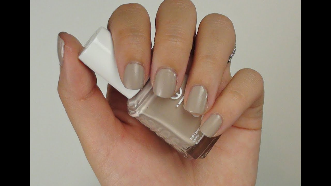 How to: Get Matte Nails Without a Special Top Coat - YouTube