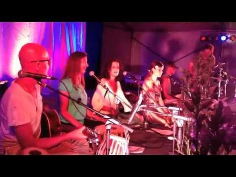 THE MAHANANDAS & THE LOVE KEYS - Rama Bolo - live @ YOGA FESTIVAL BERLIN 2013