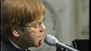 Elton John Sings Tribute NewestNuma Numa Song