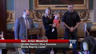 Sen. Meekhof honors Kelly Thomas for her contributions to the Michigan Senate
