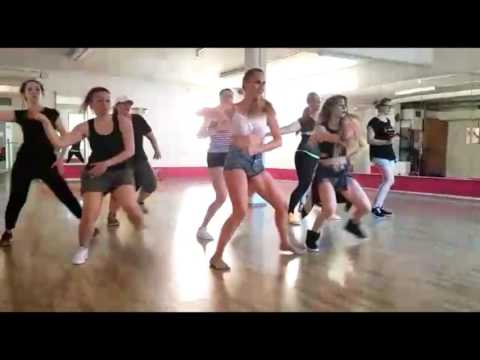 Zumba Fitness Stuttgart Flashmob Training