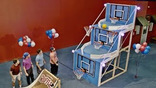 Download Giant Basketball Arcade Battle | Dude Perfect Mp3 and Videos