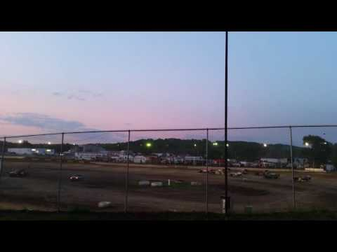 5-21-16 Peoria Speedway Crate Mod Heat Race Shannon Liescke #55
