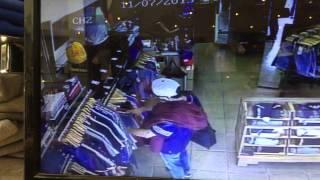 La1clothng - Shoplifter target local independent shop @Camden London