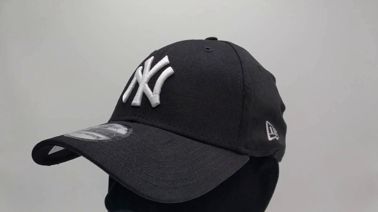 New Era 39Thirty Curved cap (3930) NY New York Yankees - black white -  €29 7c8df8f360fa