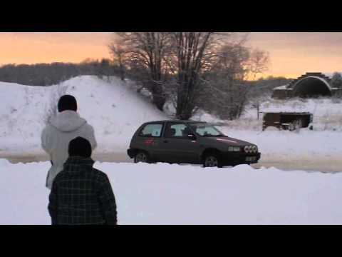 DAIHATSU CHARADE 4WD DRIFT ON SNOW