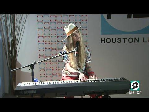 Stephanie Rice Live