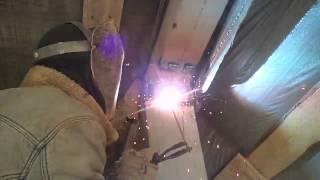 Типа Потолочный шов)(Варим электросваркой как умеем), 2015-03-07T23:46:54.000Z)