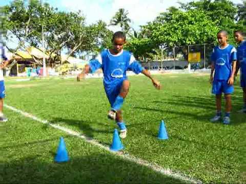 treino fundamentos futebol escola de talentos mirim - YouTube 714728782712d