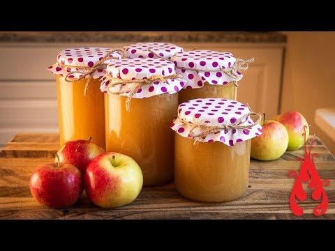 Making homemade applesauce