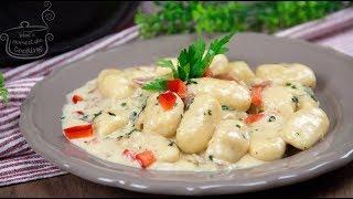 Σπιτικά νιόκι με υπέροχη λευκή σάλτσα-Homemade gnocchi with white sause