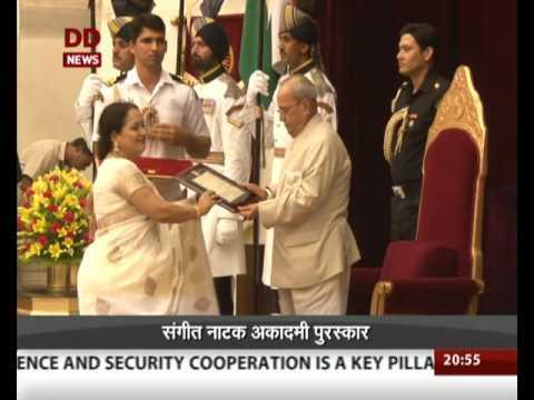 President presents Sangeet Natak Akademi awards 2015