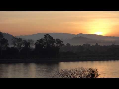 Sunrise, Mekong, Golden Triangle, Thai side, viewing Laos
