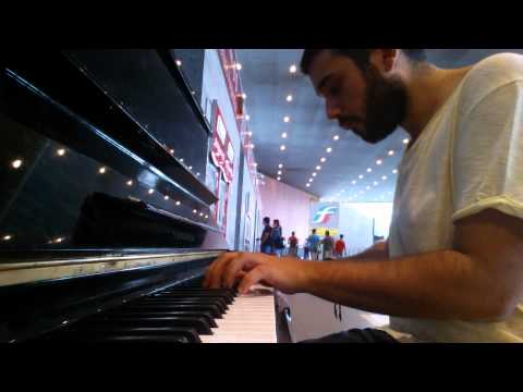 PLAY ME! I'M YOURS piano in Rome Train Station