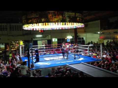 Walid Lasheb .France vs Thailande .Patong Boxing Stadium .Phuket 11/11/2013