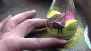 Рисунки песком в бутылке(Рисунки песком в бутылке., 2013-10-24T04:32:02.000Z)