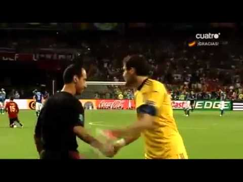SUPER IKER CASILLAS - Respect for Italy extended video (Spanish)