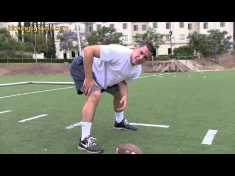 How to Long Snap a football (Field Goals / Punts)