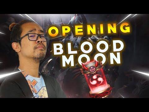"""OPENING DES CAPSULES """"BLOOD MOON"""" SUR LEAGUE OF LEGENDS! thumbnail"""