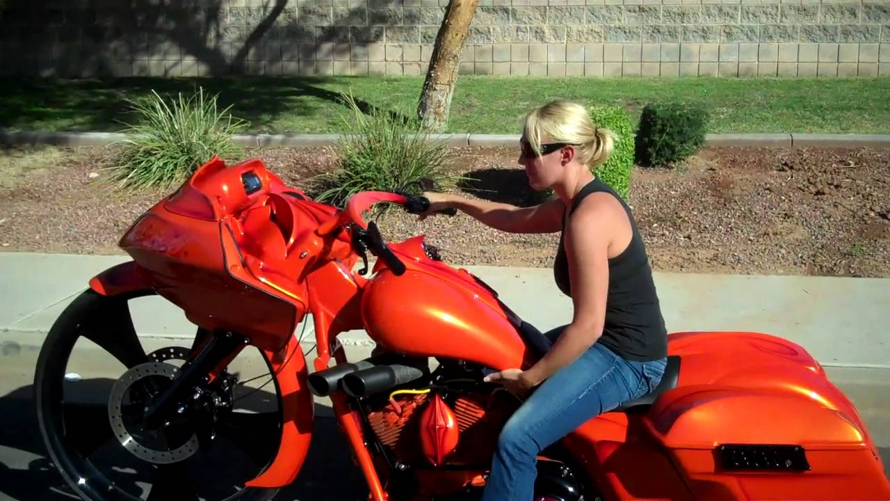 Dirty Bird Concepts First Girl To Ride A 30 Bagger Youtube