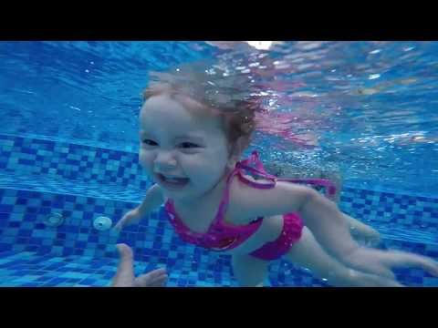 14 Month Old Baby Swimming HAPPILY