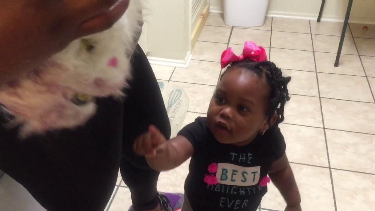 Mt little sister taking a bath!!!!! - YouTube