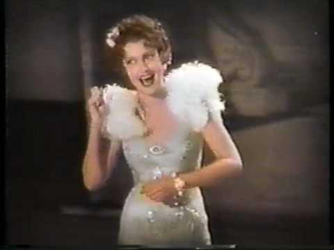 Jeanette MacDonald sings 'San Francisco'