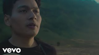 Rendy Pandugo - Silver Rain (Official Music Video)