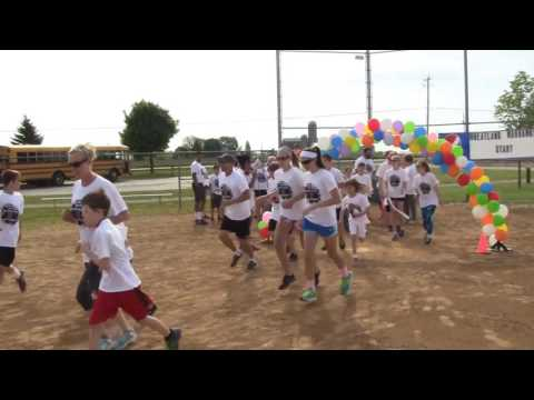 2016 Wheatland Center School Color Run start (partial)